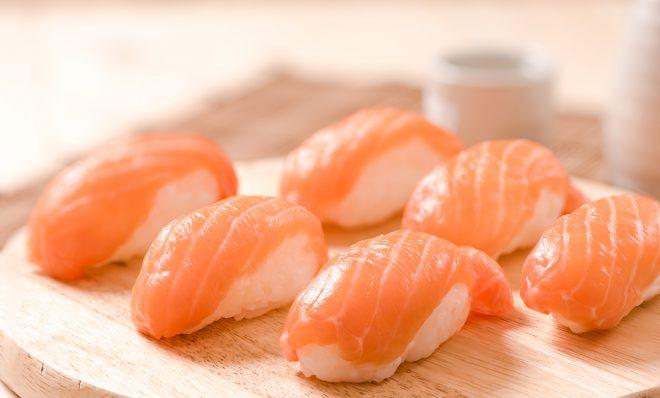 Nigiri suši su lašiša