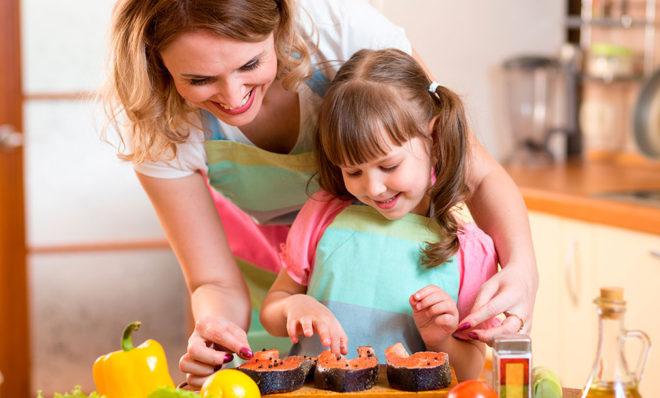 Sunku įsiūlyti vaikams žuvies? Išbandykite šiuos receptus!